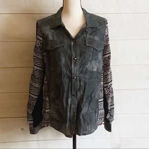 NWT TOV Button Down Sequin Detail Blouse